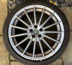 Alfa Romeo Gt / 147/156 Gta 18 X 8j Jetfin Jantes En Alliage Avec Des Pneus X 4
