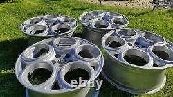 Véritable Alfa Romeo Gta 17 Roues En Alliage 156 147 Gtv Silver Glossy 60676373